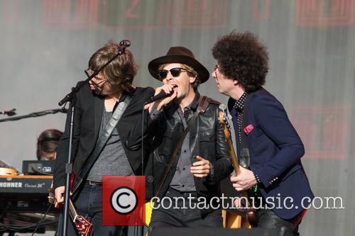 Beck, Justin Meldal-johnsen and Jason Falkner 4