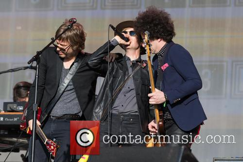 Beck, Justin Meldal-johnsen and Jason Falkner 6
