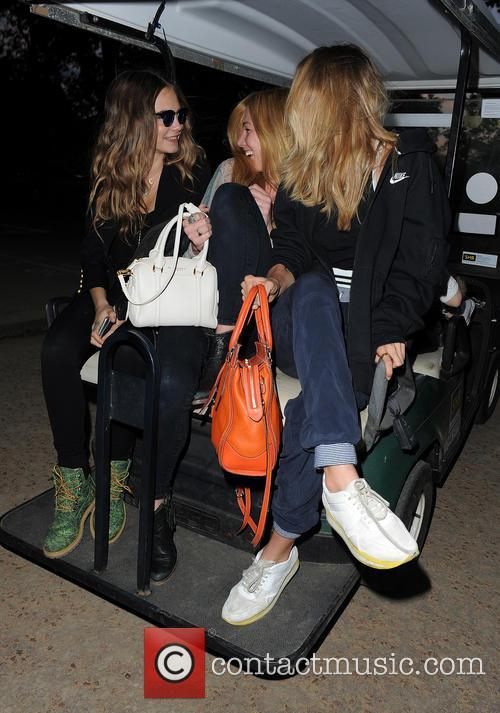 Cara Delevingne, Clara Paget and Suki Waterhouse 6