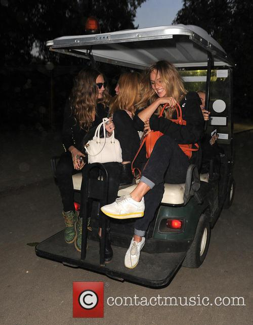 Cara Delevingne, Clara Paget and Suki Waterhouse 9