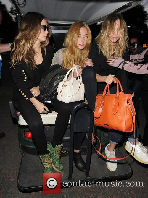 Cara Delevingne, Clara Paget and Suki Waterhouse 7