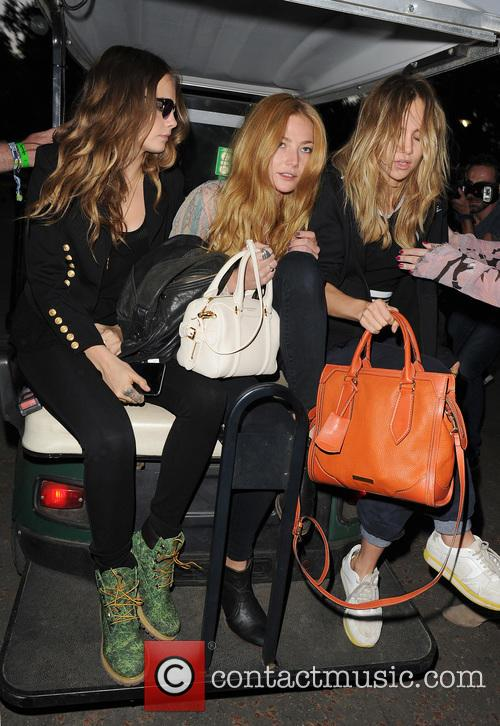 Cara Delevingne, Clara Paget and Suki Waterhouse 8