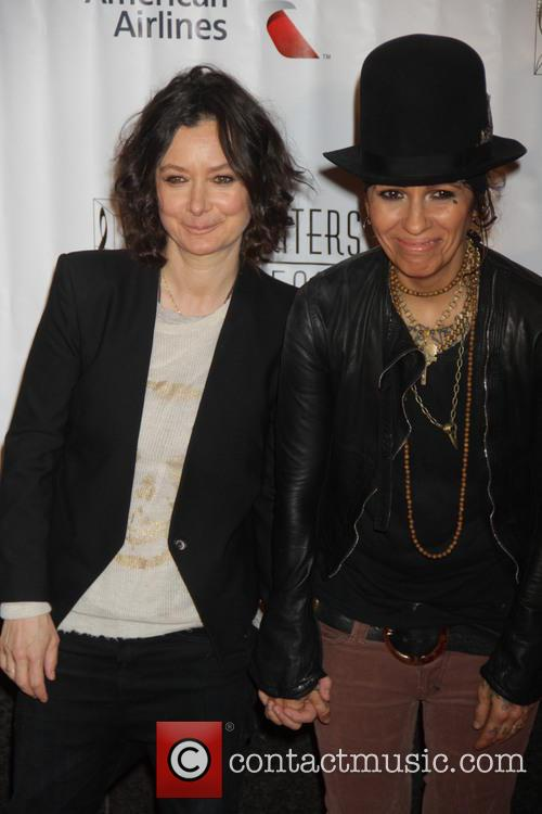 Sara Gilbert and Linda Perry 3