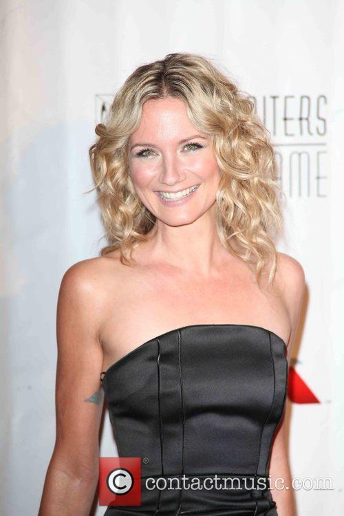 Jennifer Nettles 7