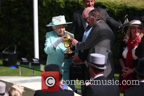 Queen Elizabeth 9