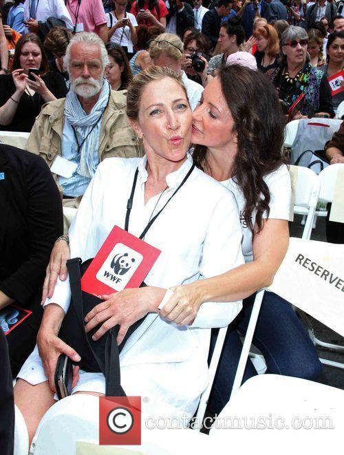 Edie Falco and Kristin Davis 6