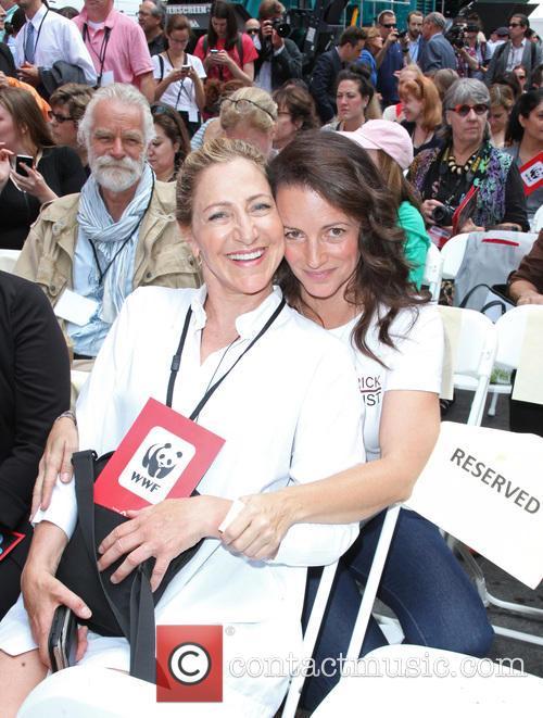 Edie Falco and Kristin Davis 9