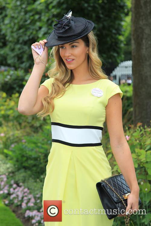 Amy Willerton 8