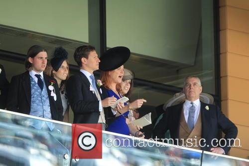 Dave Clark, Duchess Of York, Sarah Ferguson, Princess Beatrice, Princess Eugenie and Prince Andrew 4