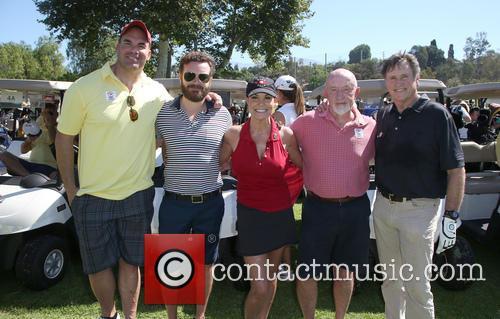 Brandon Molale, Danny Masterson, Paula Trickey, Jonathan Banks and Robert Hays 6