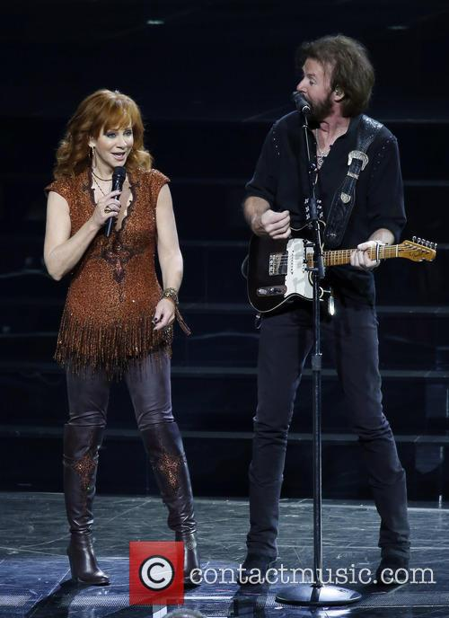 Reba Mcentire and Ronnie Dunn 6