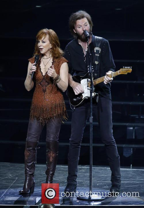 Reba Mcentire and Ronnie Dunn 8