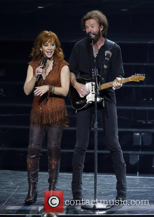 Reba Mcentire and Ronnie Dunn 9