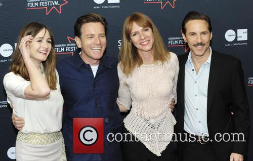 Emily Mortimer, Ewan Mcgregor, Dolly Wells and Alessandro Nivola 5