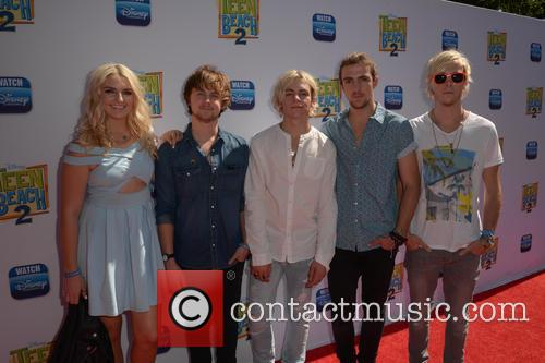 Rydel Lynch, Ellington Ratliff, Ross Lynch, Rocky Lynch and Riker Lynch 2
