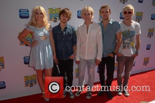 Rydel Lynch, Ellington Ratliff, Ross Lynch, Rocky Lynch and Riker Lynch 1