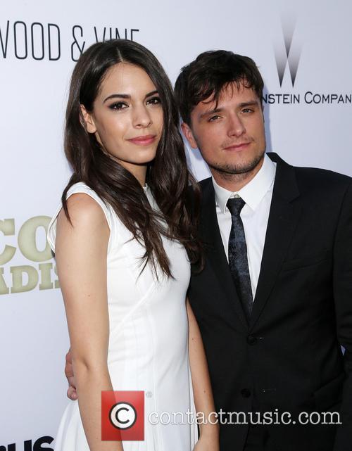 Claudia Traisac and Josh Hutcherson 5