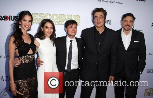 Laura Londoño, Claudia Traisac, Josh Hutcherson, Benicio Del Toro and Carlos Bardem 3