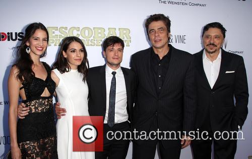 Laura Londoño, Claudia Traisac, Josh Hutcherson, Benicio Del Toro and Carlos Bardem 1