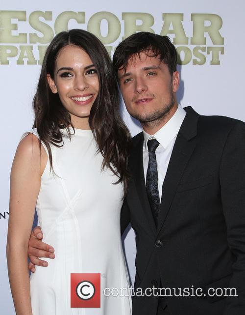 Claudia Traisac and Josh Hutcherson 7