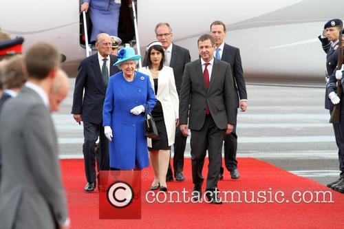 Queen Elizabeth and Prinz Philip 8