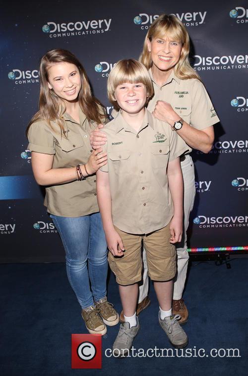 Bindi Irwin, Robert Irwin and Terri Irwin 2