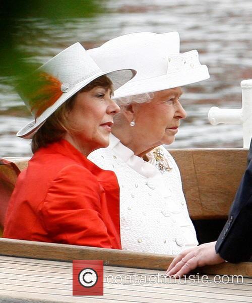 Queen Elizabeth Ii and Daniela Schadt 4