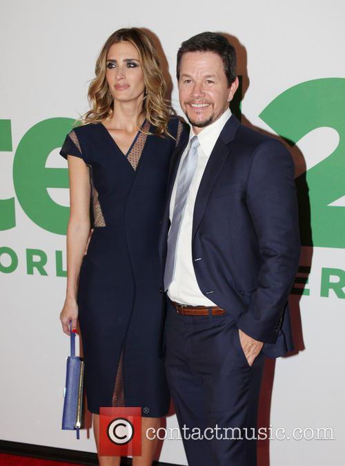 Rhea Durham and Mark Wahlberg 3