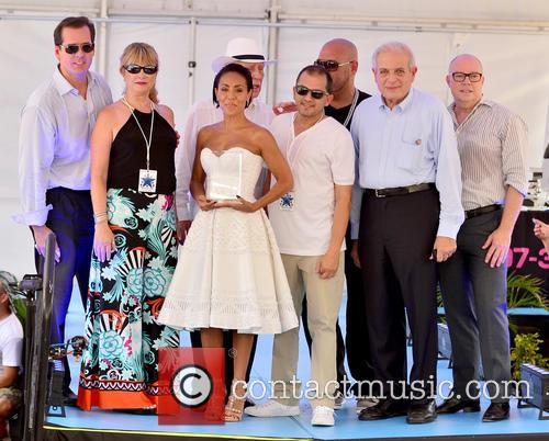 Jada Pinkett Smith (c), Dj Laz and Mayor Tomas Regalado 3