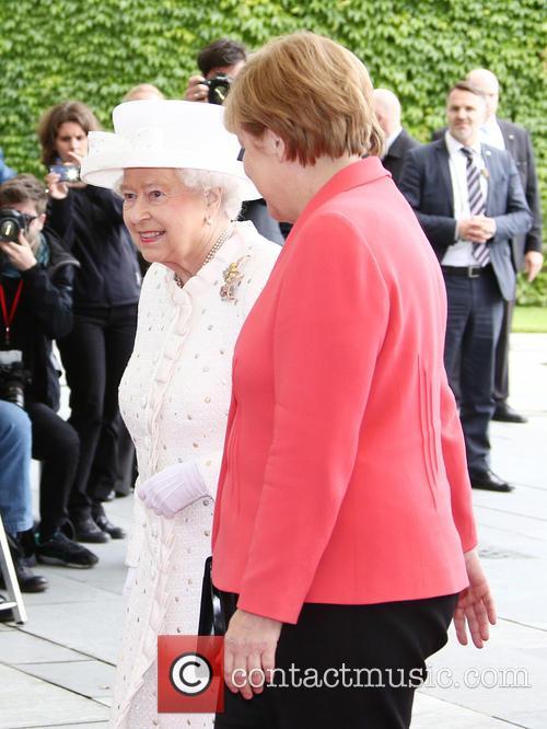 Queen Elizabeth Ii and Angela Merkel 3