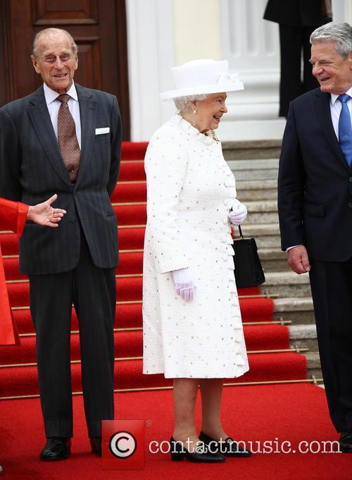Queen Elizabeth II is Welcomed at Bellevue Palace