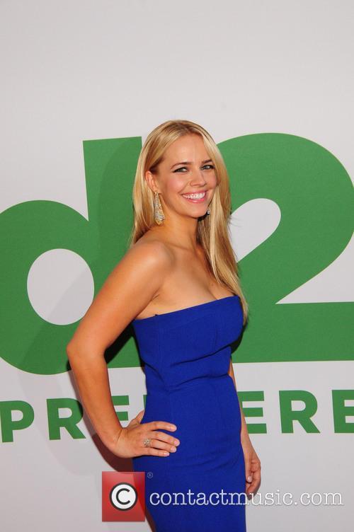 Jessica Barth 4