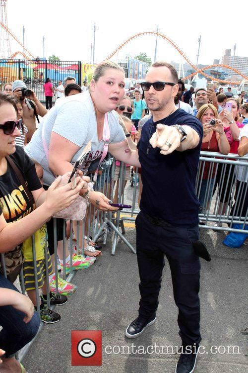 Danielle Valitutto and Donnie Wahlberg 1