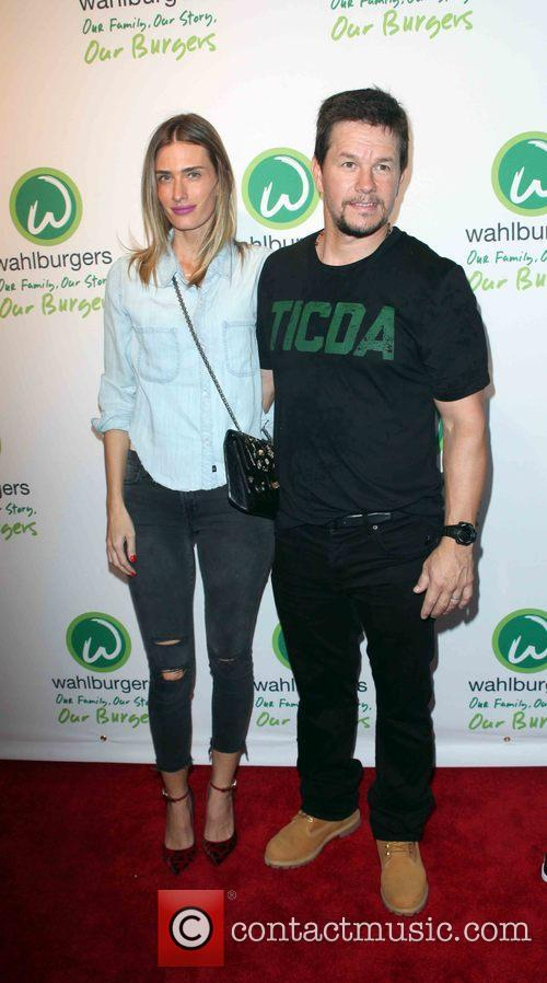 Rhea Durham and Mark Wahlberg 1