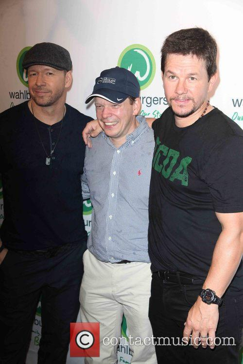 Donnie Wahlberg, Paul Wahlberg and Mark Wahlberg 5