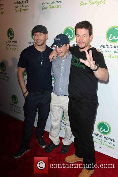 Donnie Wahlberg, Paul Wahlberg and Mark Wahlberg 6
