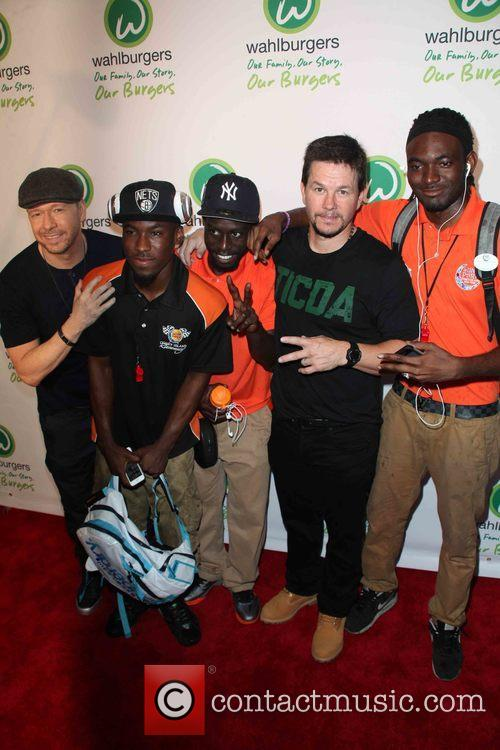 Donnie Wahlberg, Mark Wahlberg and Coney Island Race Pit Crew 7