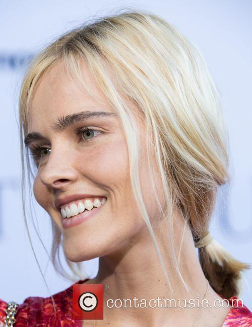 Isabel Lucas 9