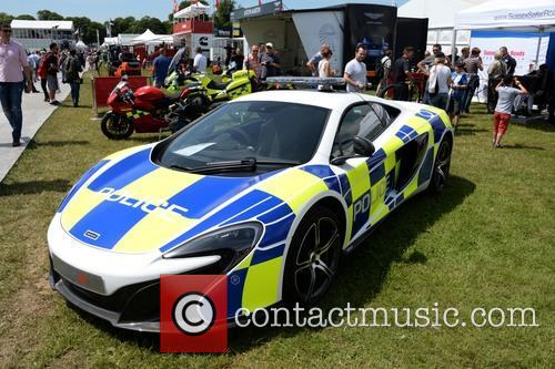 Sussex Police Borrowed A Mclaren 650s For Their Display 2