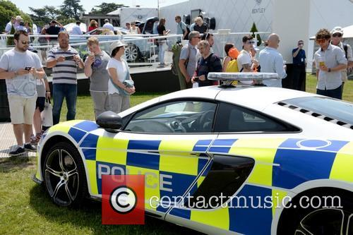 Sussex Police Borrowed A Mclaren 650s For Their Display 4
