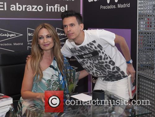 Olvido Hormigos' book signing