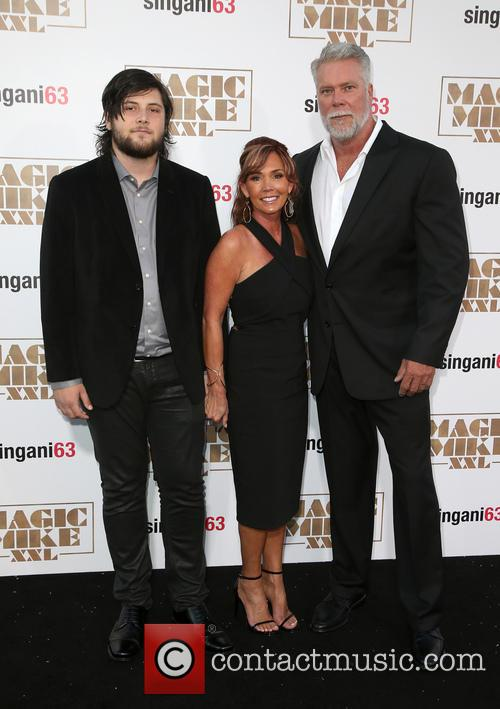 Kevin Nash, Tamara Nash and Guest 9