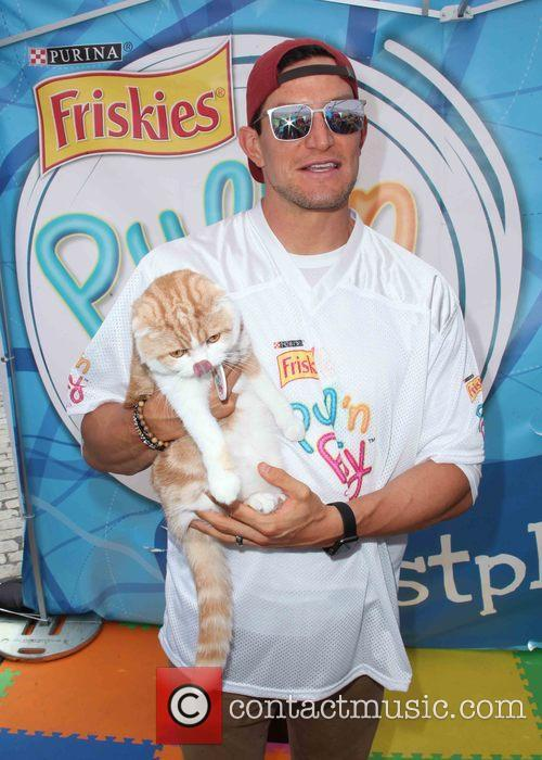 Waffles The Cat and Steve Weatherford 2