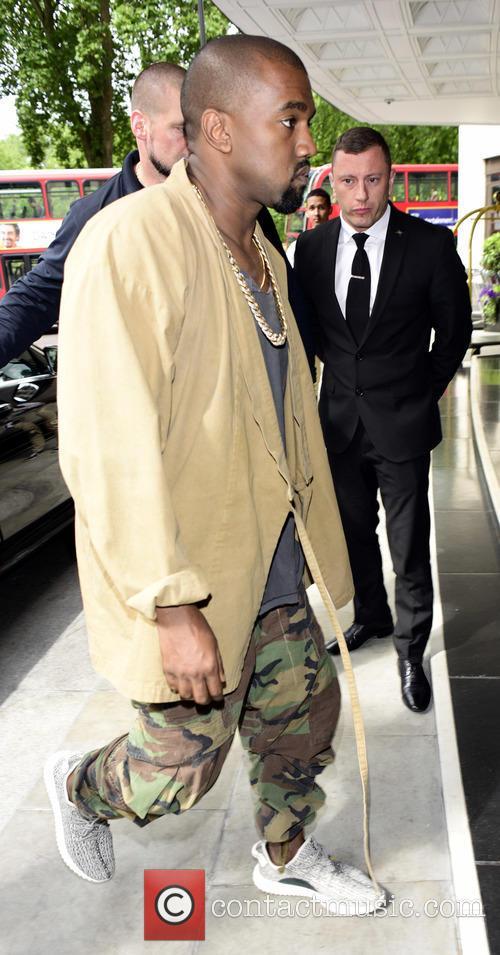 Kanye West returns to hotel