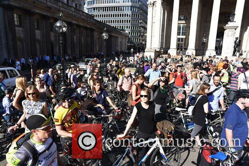 Cyclists stage 'die-in'