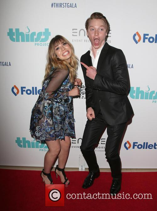 Jennette Mccurdy and Calum Worthy 10