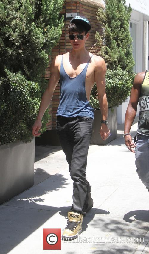 Justin Jedlica goes shopping in Beverly Hills