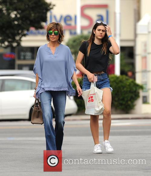 Lisa Rinna and Amelia Hamlin 3