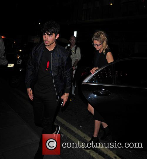 Gigi Hadid and Joe Jonas 1