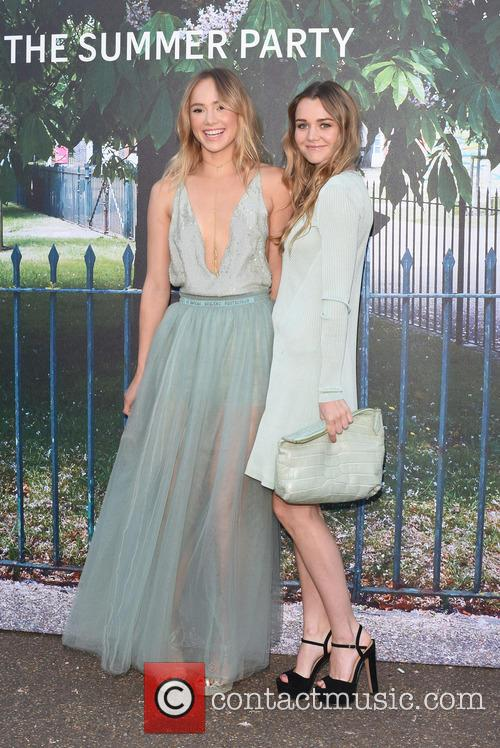 Suki Waterhouse and Immy Waterhouse 4